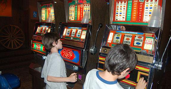 Billy bob s texas fort worth for Fishing bob slot machine