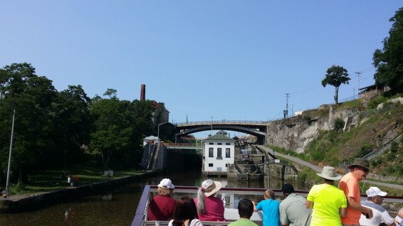 Erie canal cruising lock approach